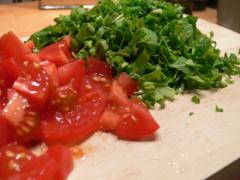 Tortellini mit Tomaten und Basilikum